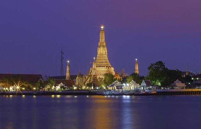 Wat Arun, Bangkok by KT Formen via Flickr