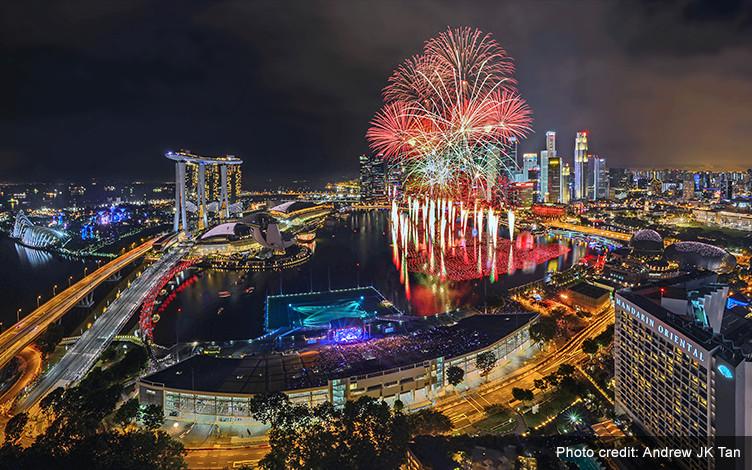 marina-bay-singapore-countdown-2017-gallery01