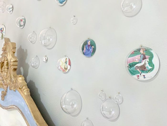 Cinderella-themed bedroom wall feature