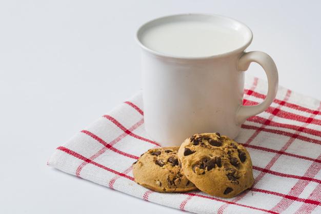 mug-milk-with-cookies