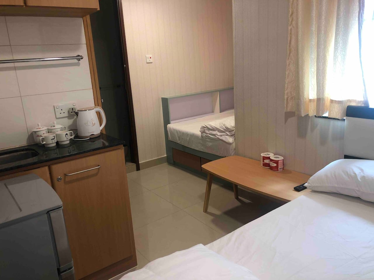 Flat for four guests close to Eaton HK Hotel