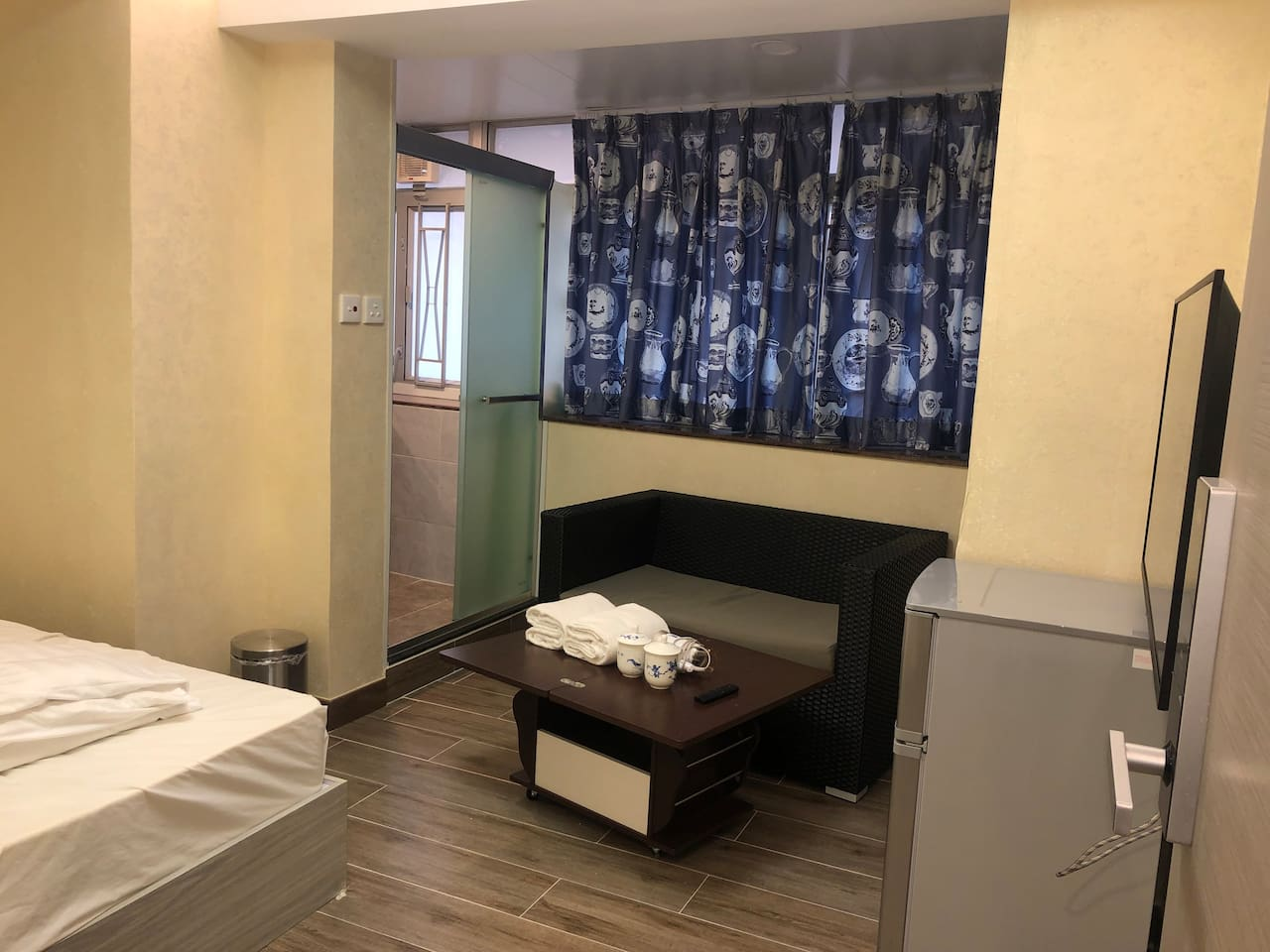 Spacious apartment for two at Kowloon