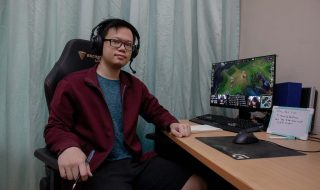 League of Legends e-sports coach Jenson Goh