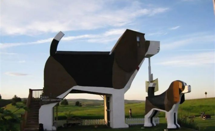 Dog Bark Park Inn B&B, United States